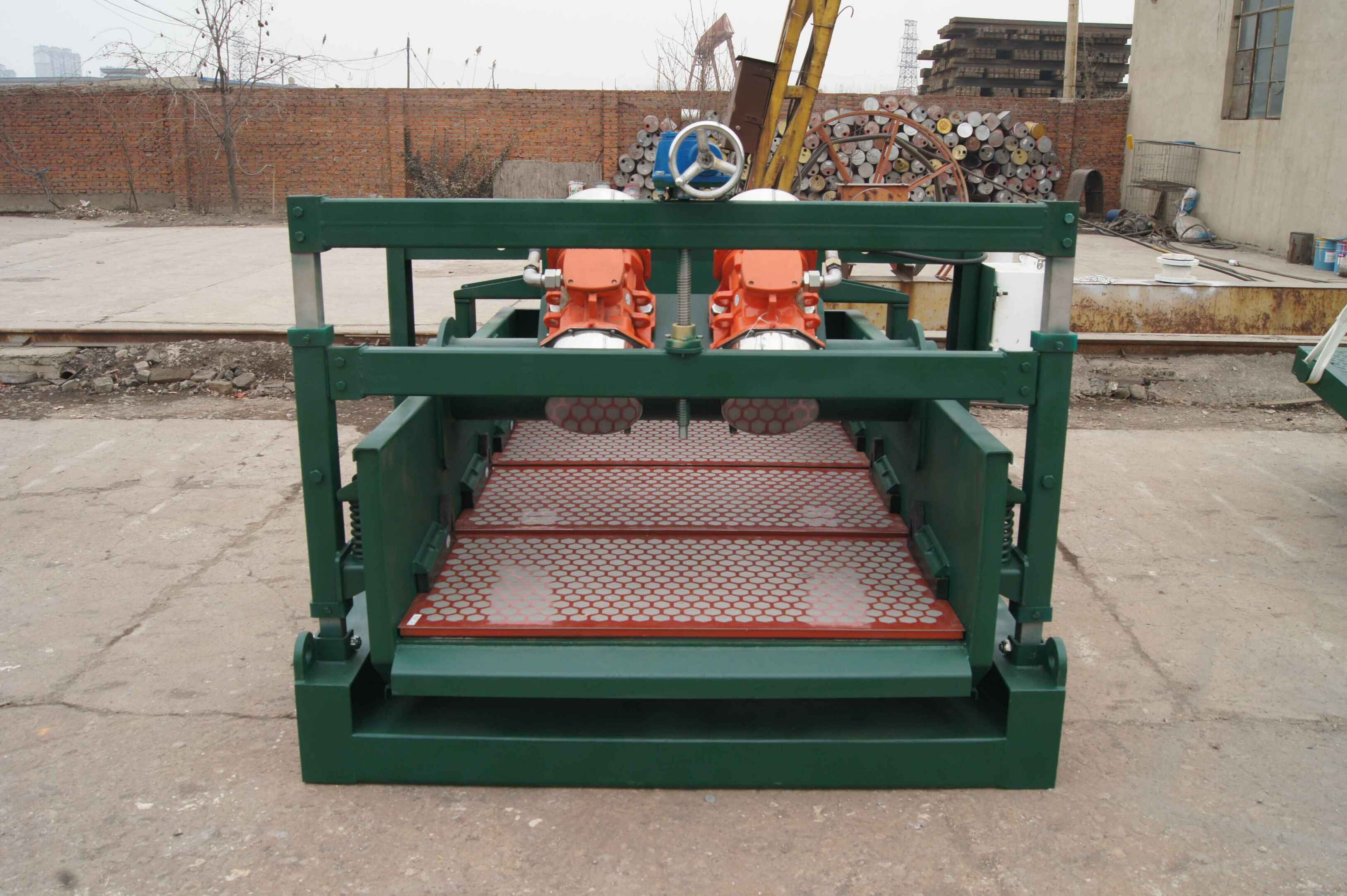 China Drilling Mud Linear Motion Shale Shaker Supplier